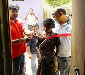 Habitat homeparter Jeyanti receiving her new Nissan sponsored home